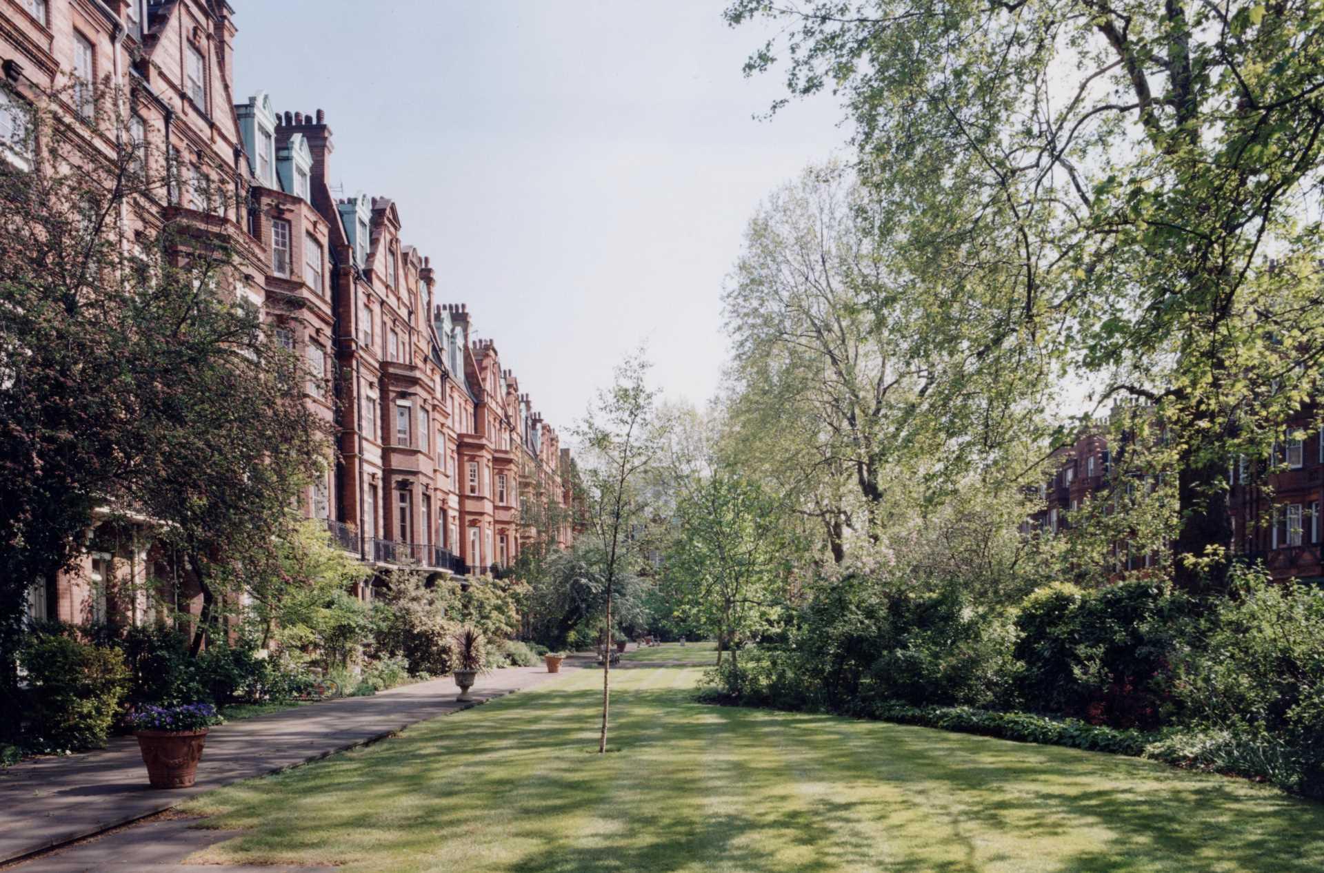 Sloane Gardens, Chelsea SW1W, Image 1