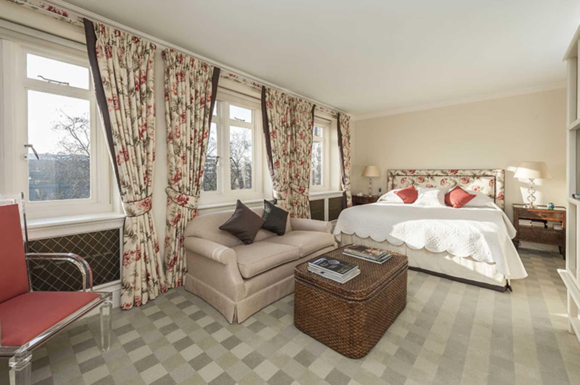 Cadogan Place, Knightsbridge SW1X, Image 4
