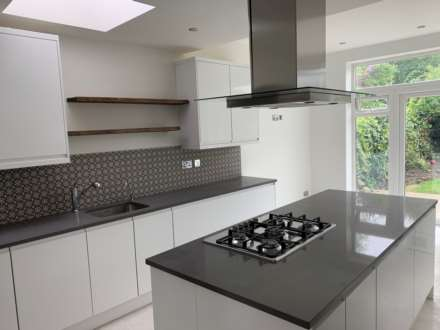 4 Bedroom Semi-Detached, Chatsworth Avenue, Hendon
