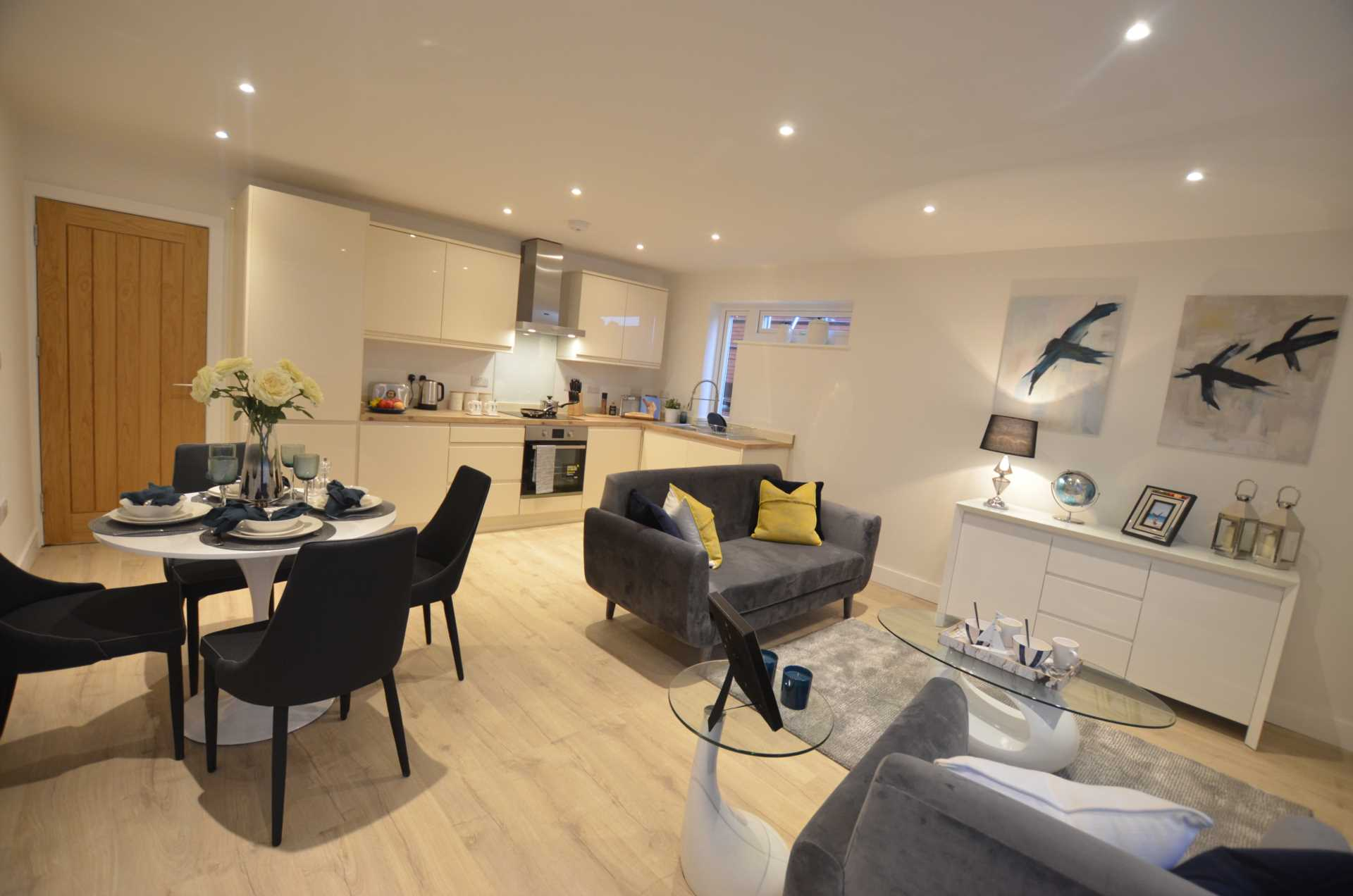 ***HELP TO BUY AVAILABLE *** Kingfisher Parde, East Wittering, Image 2