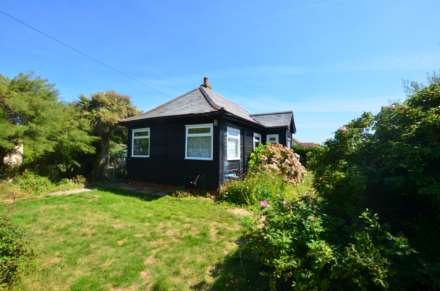 3 Bedroom Detached Bungalow, East Bracklesham Drive, Bracklesham