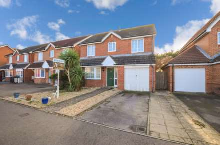 4 Bedroom Detached, Tide Way, Bracklesham
