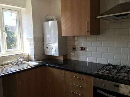 1 Bedroom Flat, Honey Close, Dagenham