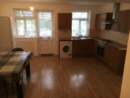 4 Bedroom House, Wickham Lane, Thamesmead