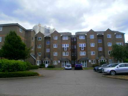 1 Bedroom Flat, Cross Keys Close, Lower Edmonton