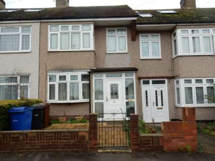 3 Bedroom Semi-Detached, Stanford Gardens, Aveley