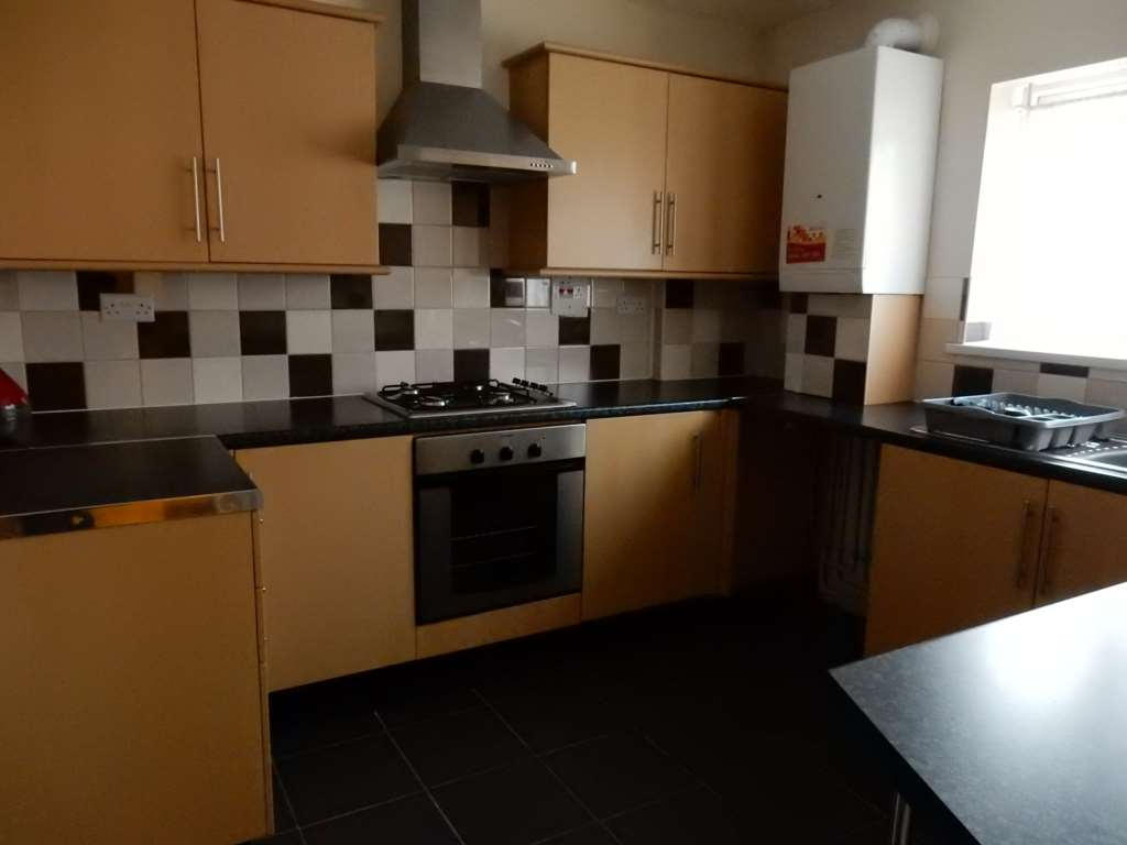 Aura Residential - 3 Bedroom Terrace, Westport Rd, London