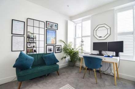 Flat 6, Waterloo Apartments, Image 12