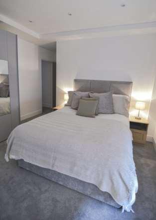 Flat 6, Waterloo Apartments, Image 7
