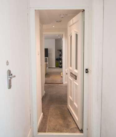 The Garden Apartment, St Helier, Image 3