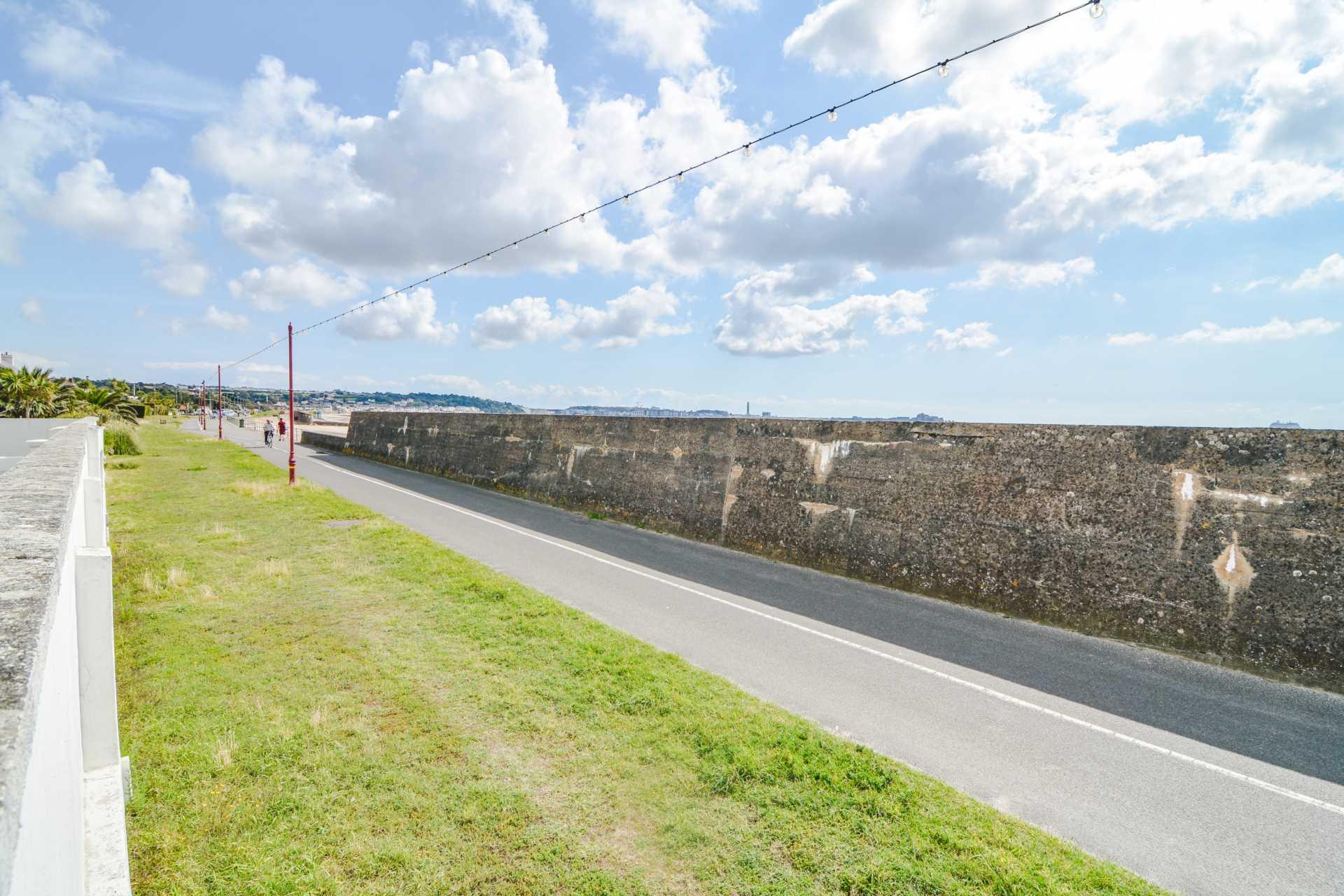 Flat 1, Casa Del Playa, La Route De La Haule, Image 2