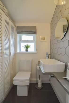 2/3 Bedroom property in St Clements, Image 11