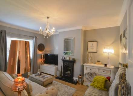 2/3 Bedroom property in St Clements, Image 15