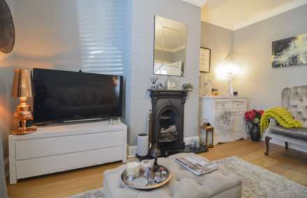 2/3 Bedroom property in St Clements, Image 16
