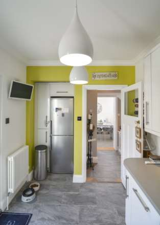 2/3 Bedroom property in St Clements, Image 19