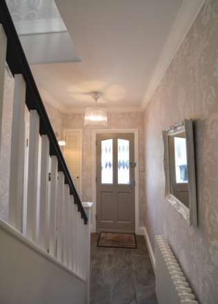 2/3 Bedroom property in St Clements, Image 8