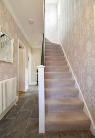 2/3 Bedroom property in St Clements, Image 9