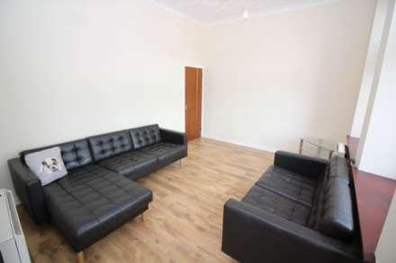 2 Bedroom Flat, Brewland Street, Galston