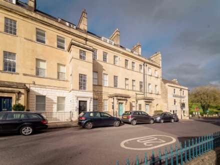 3 Bedroom Apartment, Marlborough Buildings, Bath