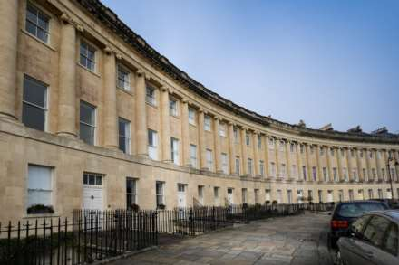 1 Bedroom Apartment, Royal Crescent, Bath