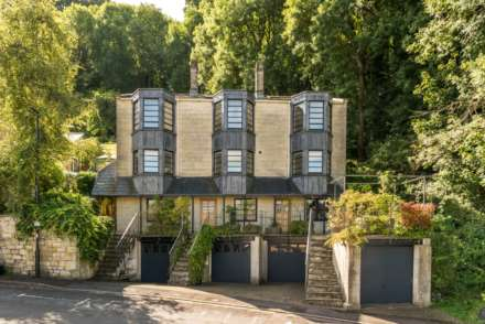 4 Bedroom Town House, Alexandra Road, Bath