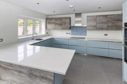 Plough Orchards, Weston Turville, Image 4