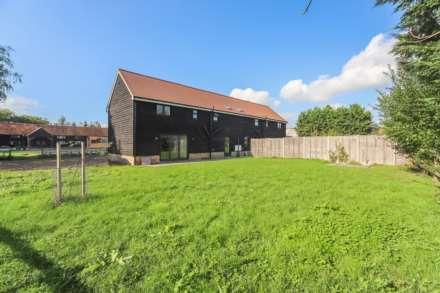 4 Bedroom Barn Conversion, Ivinghoe Aston Farm, Ivinghoe Aston