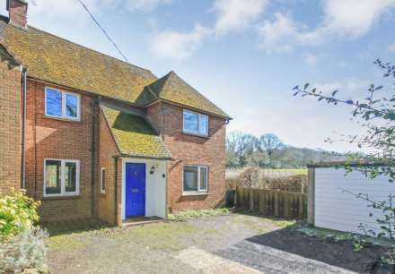 Property For Sale Chiltern Cottages, Buckland Common, Tring