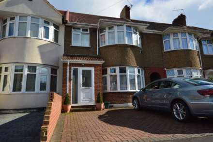 4 Bedroom Terrace, Elmer Gardens, Isleworth, TW7 6HA