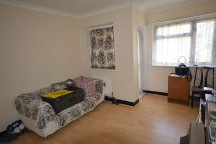 1 Bedroom Flat, Warrick Road, Hounslow,TW4 6HY