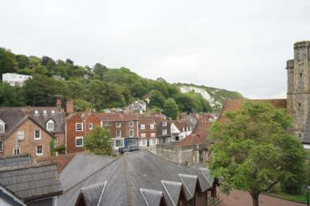 St Thomas Court Cliffe High Street, Lewes, Image 9