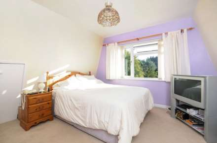 2 Bedroom Cottage, Brookmead Drive, Wallingford