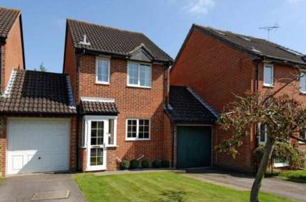 4 Bedroom Semi-Detached, Long Street, Reading