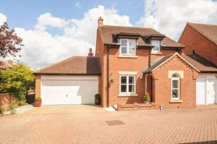 2 Bedroom Semi-Detached, St Martins Street, Wallingford