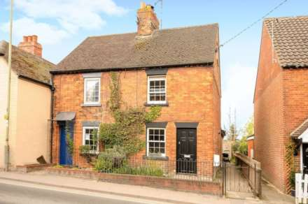 2 Bedroom House, High Street, Twyford