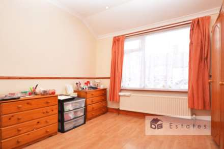 3 Bedroom Terrace, Solway Road, Wood Green