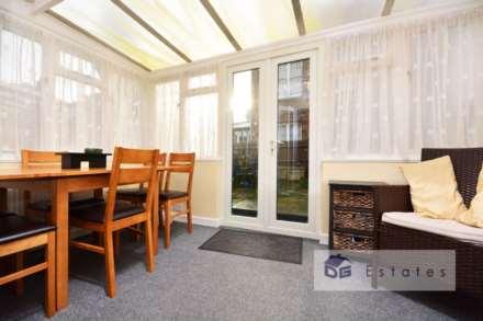 Double Room Wood Green, Noel Park, Image 4