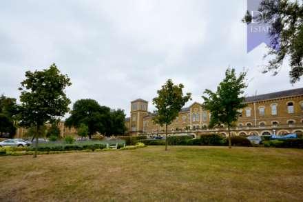 Royal Drive, Friern Barnet, Image 11