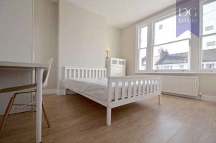 Property For Rent Parkhurst Road, Bowes Park, London