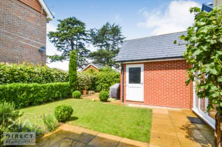 Mulberry Way, Ashtead, KT21 2FE, Image 15