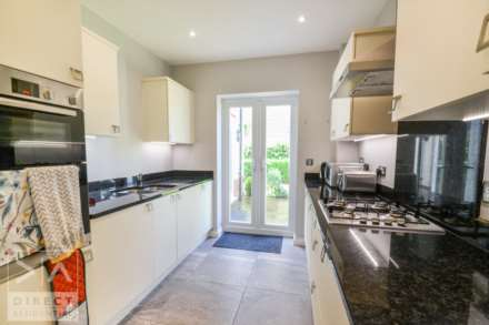 Mulberry Way, Ashtead, KT21 2FE, Image 4