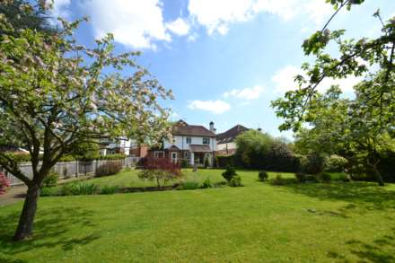 4 Bedroom Detached, Old Court, Ashtead, KT21 2TS