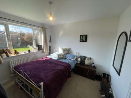 Farriers Close, Epsom, KT17 1LS
