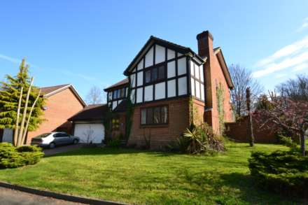 4 Bedroom Detached, Grey Alders, Banstead, SM7 1NL