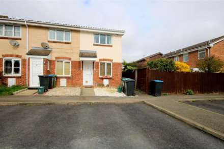 LOVELY 1 BED HOUSE IN CUL DE SAC WITH GARDEN, Image 1