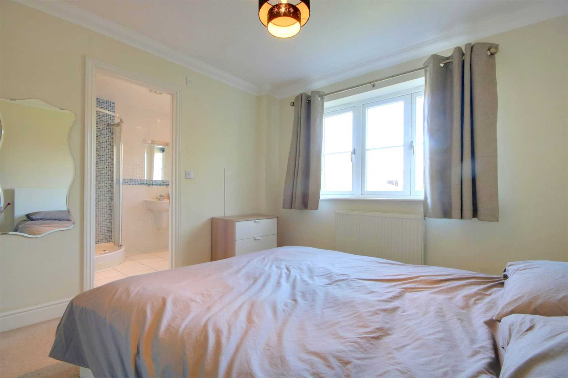 5 BED OFFERED FURNISHED & AVAILABLE June 2021, Image 9