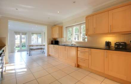 5 BED OFFERED FURNISHED & AVAILABLE June 2021, Image 11