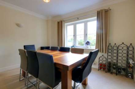 5 BED OFFERED FURNISHED & AVAILABLE June 2021, Image 5