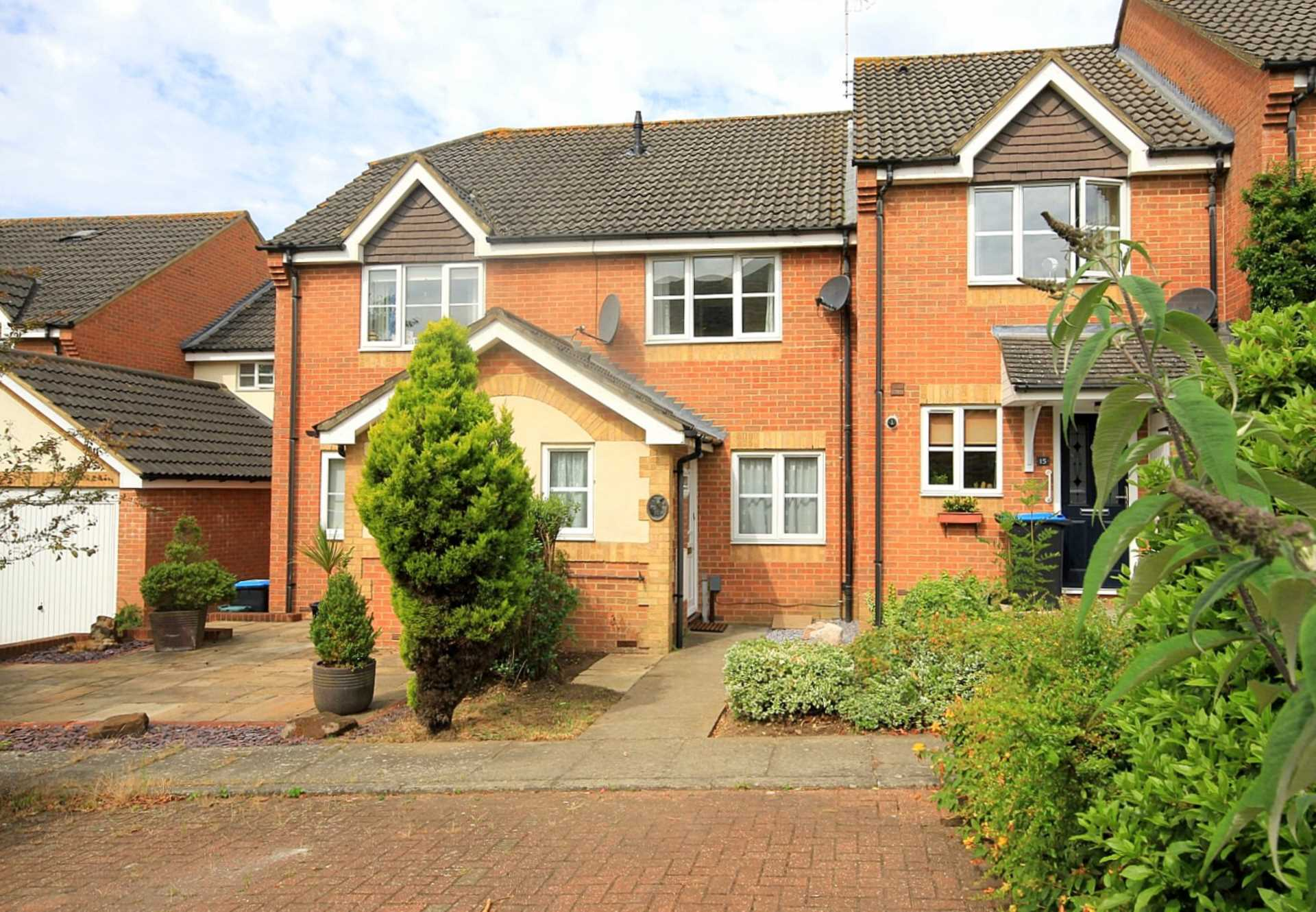 2 double bedrooms, Thorne Close, Boxmoor, Image 1