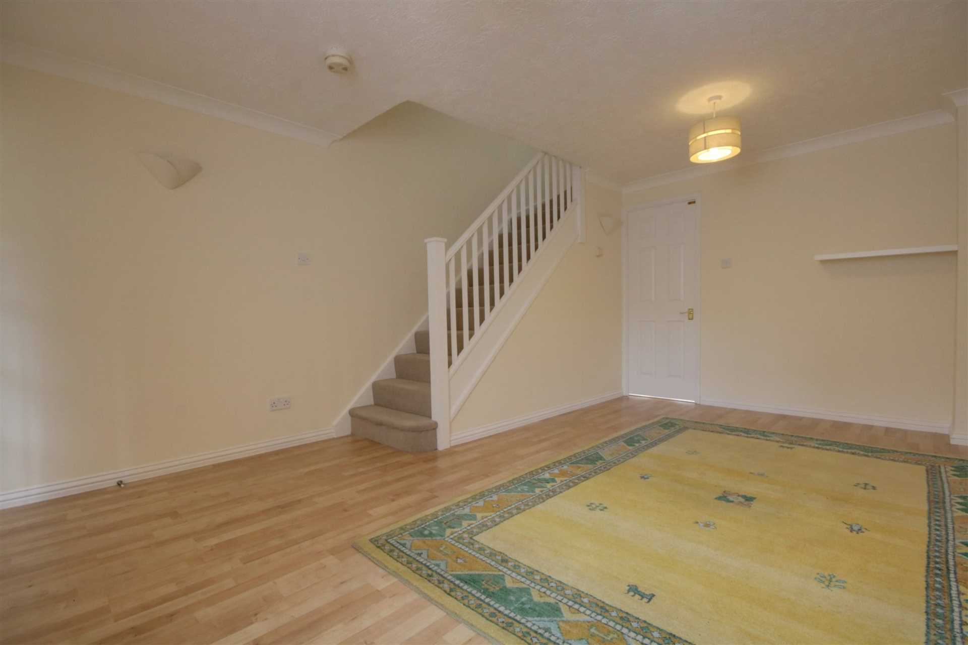 2 double bedrooms, Thorne Close, Boxmoor, Image 10